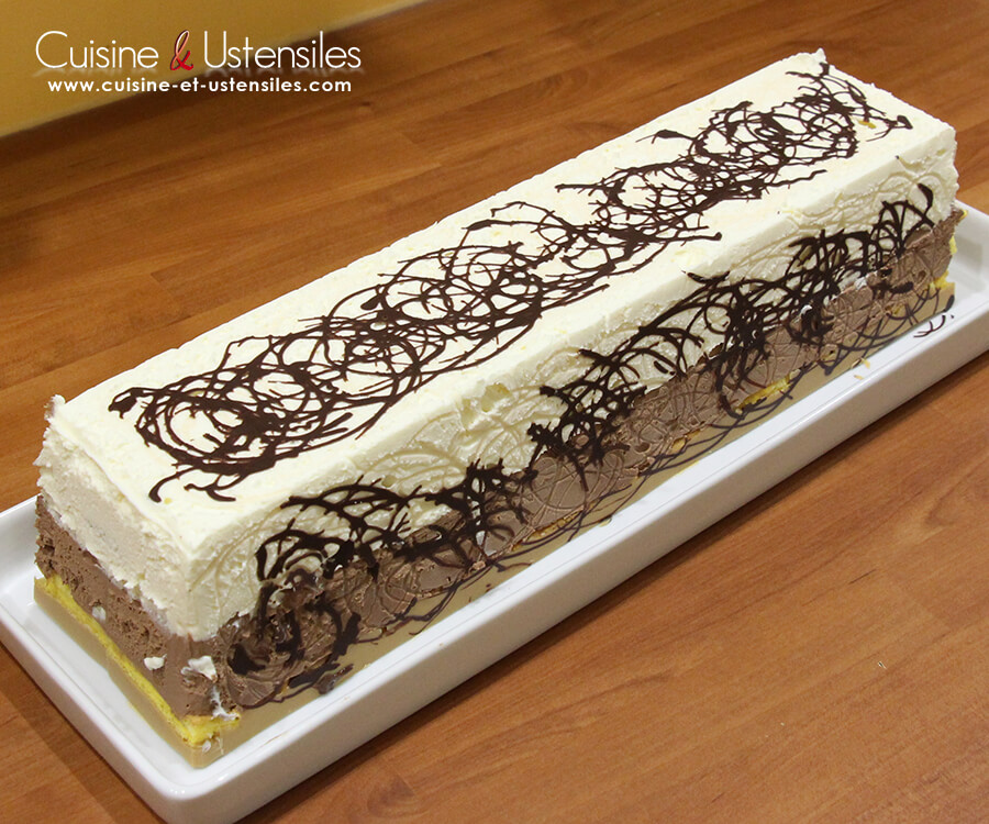 Recette b che de no l avec insert kinder bueno le blog for Decoration buche de noel